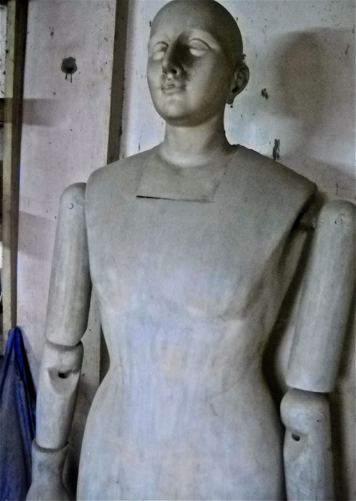 """Paloy Cagayat"" model woodcarving"