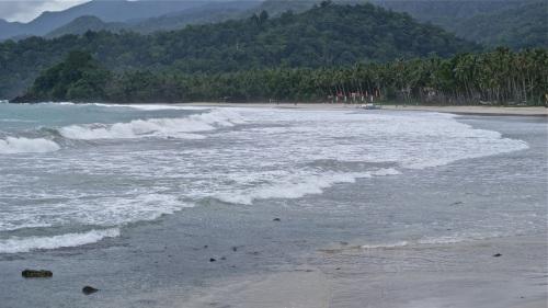 """""""Sabang's wide beach"""" retirednoway"""