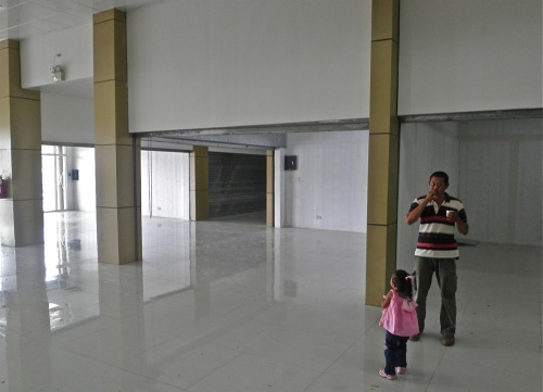 """About 40% of the mall was still vacant when the mall opened on December 5, 2011."" retirednoway"